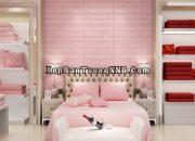 Trang trí phòng bé gái bằng xốp dán tường giả gỗ hồng