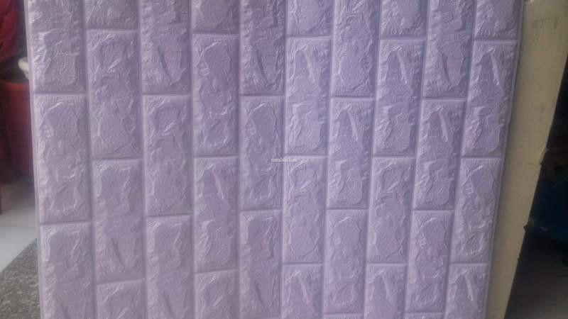 Mẫu xốp dán tường màu tím giả gạch