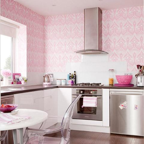 Gam hồng họa tiết nhẹ nhàng kết hợp xốp chuyên dụng cho nhà bếp màu trắng