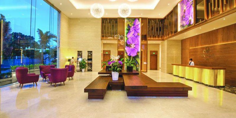 Image result for sảnh chờ khách sạn